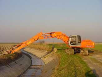 Long Arm For Excavator Ditching Job Carrier Weight From 13 Up To 36 Tonnes on hanix mini excavators